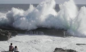 """强台风""""飞燕""""登陆日本,我驻大阪领馆提醒中国公民做好防范"""