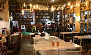 武汉书店纪行:书业是否将被知识付费取代?
