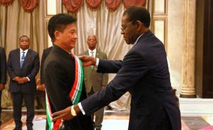 驻赤道几内亚大使陈国友即将离任,获授最高级别荣誉勋章