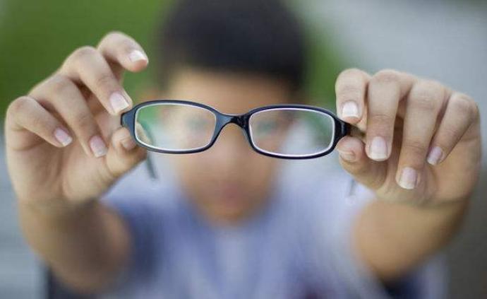 光明日報刊文:90%青少年近視的隱憂