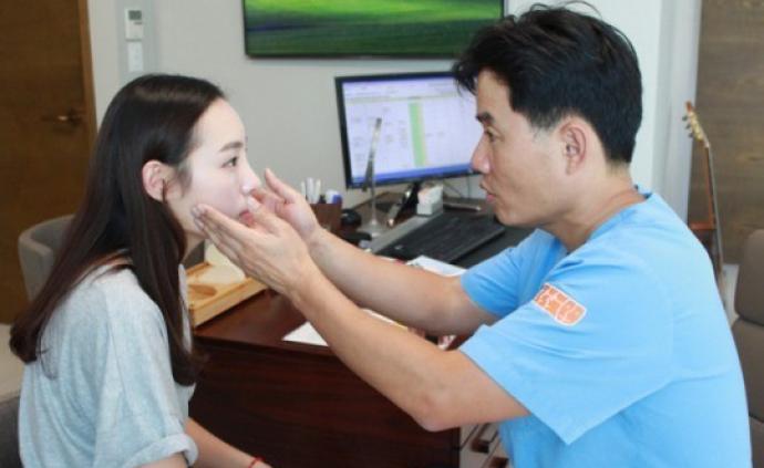 中國女游客韓國整形致失明,等6年被判獲賠34萬元人民幣