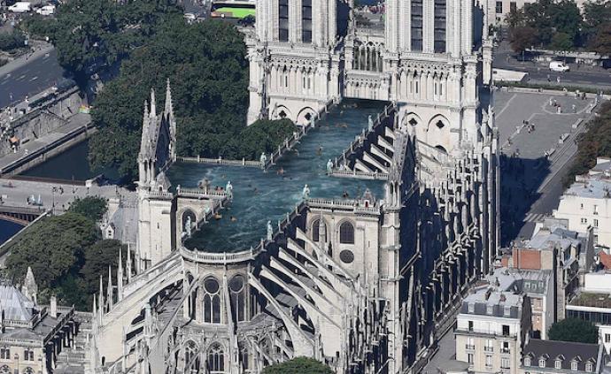 在巴黎圣母院屋頂建游泳池?看看這些天馬行空的重建方案