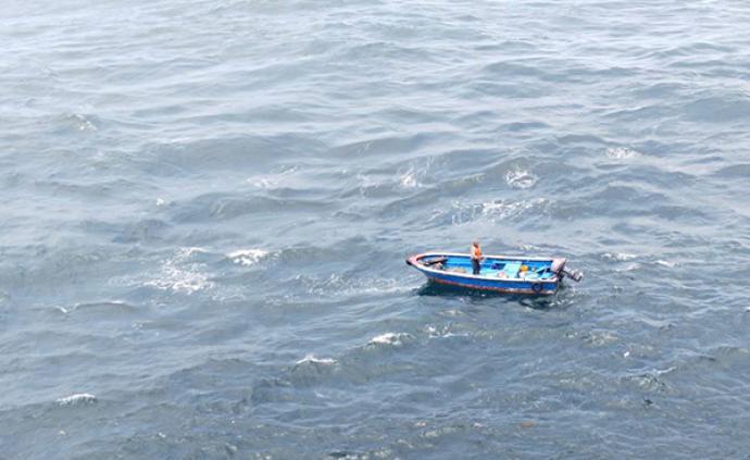 一个渔民迷失在太平洋