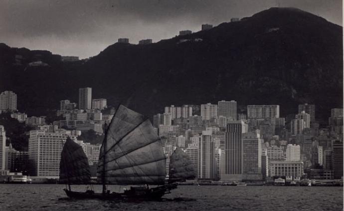 邱良與李家昇:兩代香港攝影的追夢人與橫跨近70年的影像
