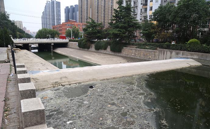 """媒體調查:河北石家莊民心河部分河段成了""""垃圾河"""""""