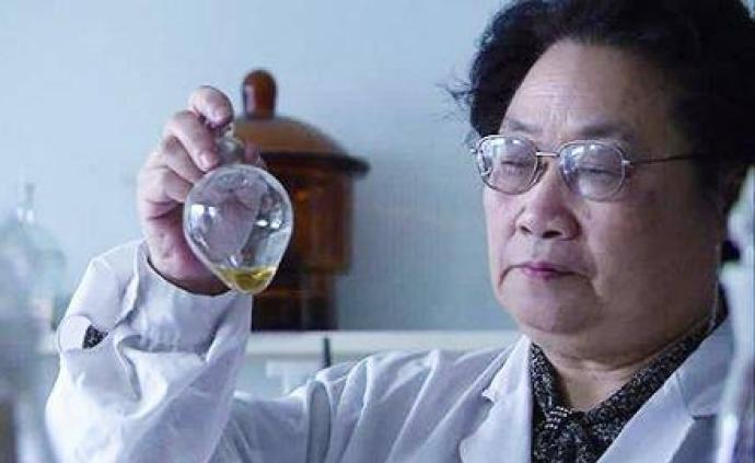 屠呦呦團隊的最新論文寫了什么:用好青蒿素仍是抗瘧必然選擇
