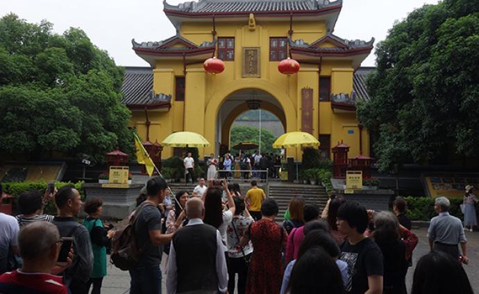 桂林:全市旅行社暂停组织团队赴旅游购物商店购物消费