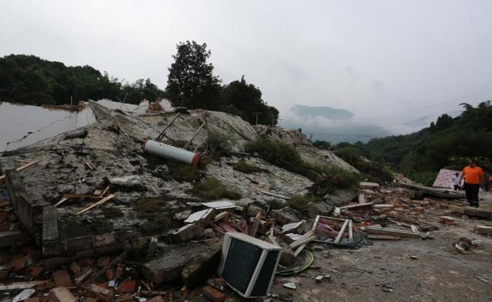 公安部提醒:请勿自驾前往长宁地震灾区救灾