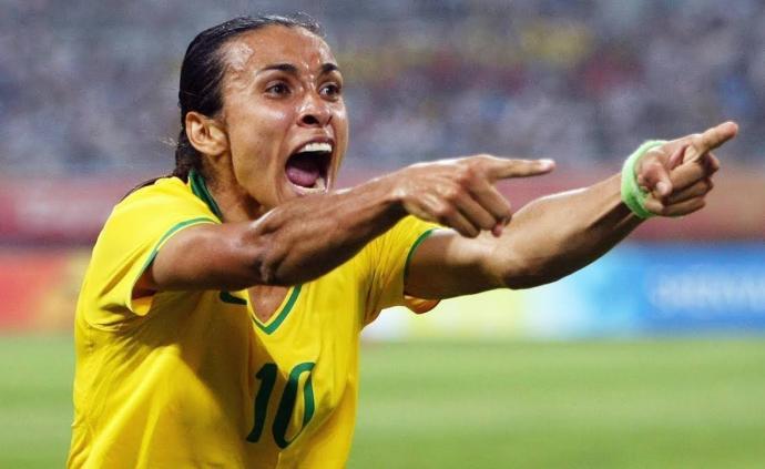 17球超越克洛泽!玛塔成世界杯射手王,她重新定义了女足