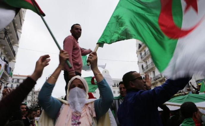 精英斗爭、石油食利和認同危機:阿爾及利亞的轉型困境