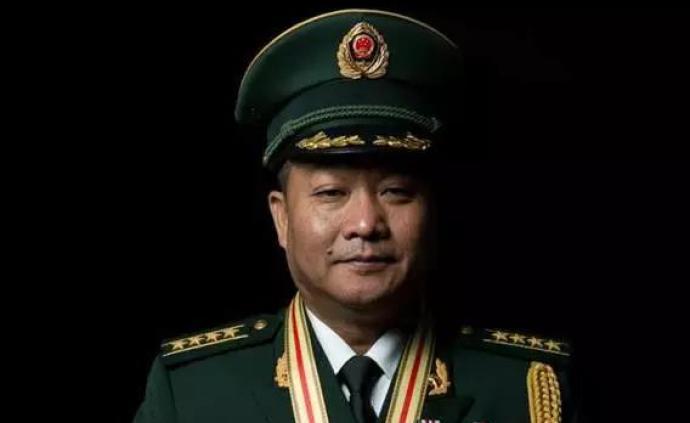 八一勛章獲得者印春榮任國家移民管理局機關黨委專職副書記