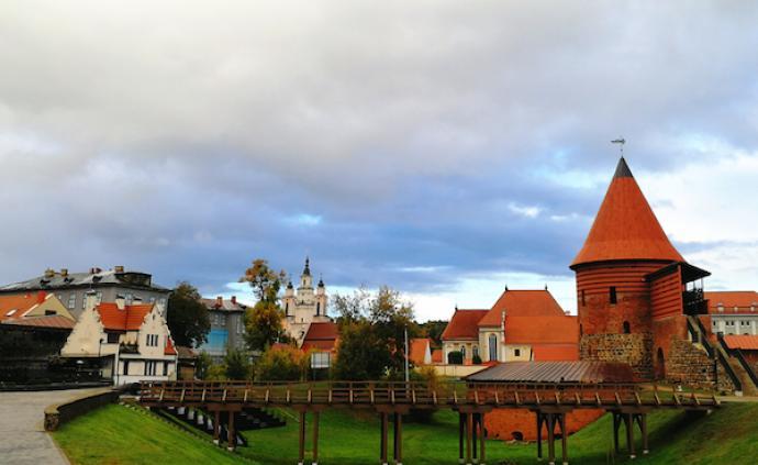 """在考納斯,享受立陶宛的""""故都的秋"""""""