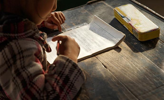利用退休教師資源:湖北招募2百名退休教師赴精準扶貧縣任教