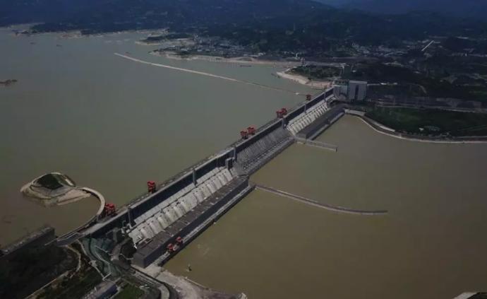 三峽工程質量檢查專家組談大壩安全監測系統和壩體變形現狀