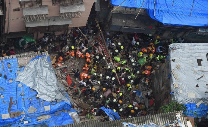 印度孟买一建筑物倒塌已致2人死亡,或有40人被困