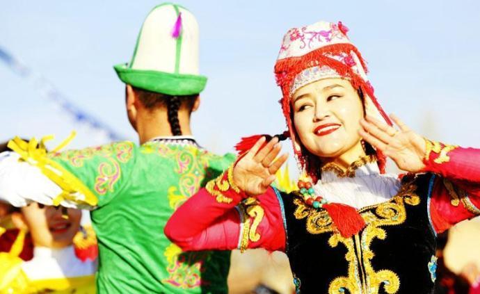 新華社評論員:新疆的命運始終與偉大祖國緊密相連