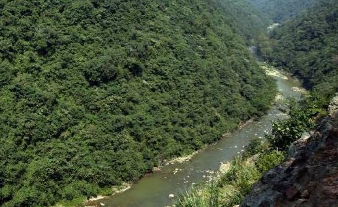 江西呂陽洞245名驢友遭遇暴雨被困,致1人死亡5人失聯