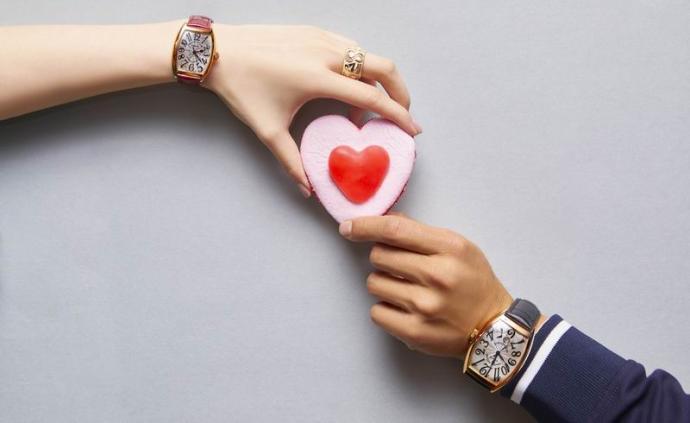 执子之手与子偕老,充满爱的腕表让时光也变得缱绻温柔