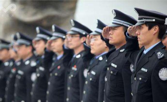 """南京城管执法""""罚?#29615;!?#32602;多少""""?#19978;?#32479;说了算,防止任?#28798;?#27861;"""