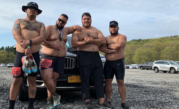 4個體重加起來一千斤的胖子,改變了美國跑圈的歧視