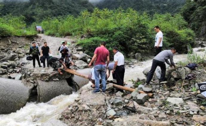 強降雨致四川阿壩8人死亡26人失聯,四川緊急調撥救災物資