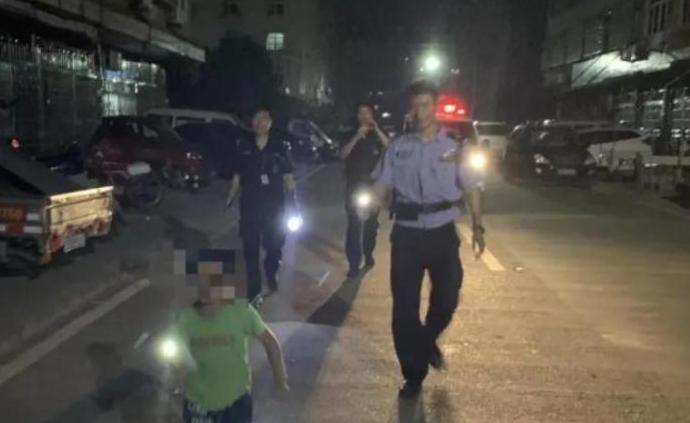 夫妻深夜打架,7岁儿子跑进派出所报警:是爸爸先动手