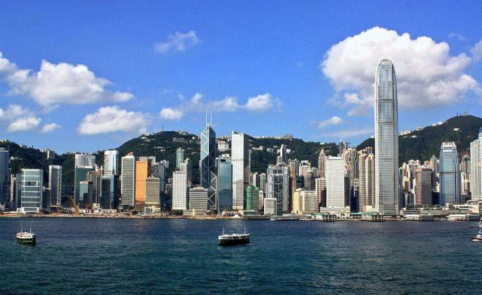 香港特區政府陸續推出數項民生措施