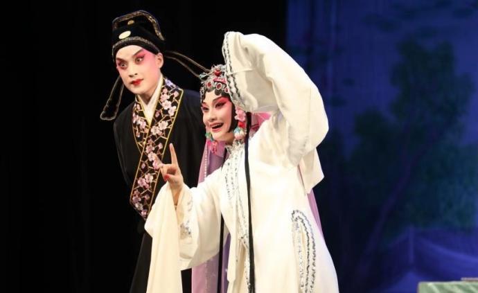 张冉首演完整剧场版《牡丹亭》,纪念昆曲大师朱传茗