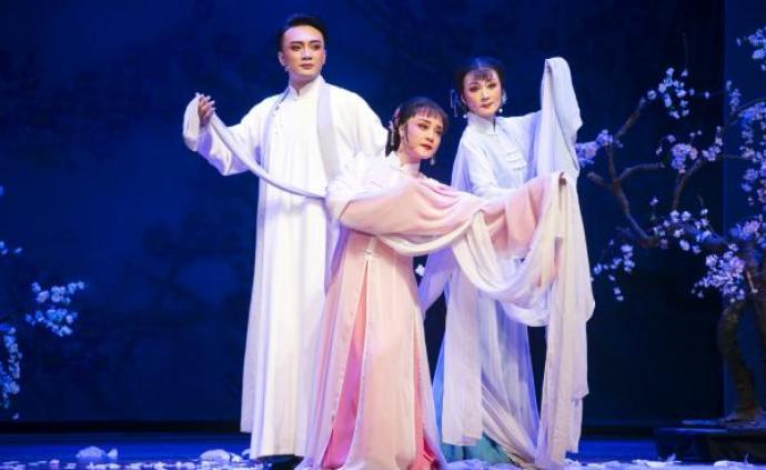 长三角六大越剧院团上?;阊?,每天一台大戏献礼70周年国庆