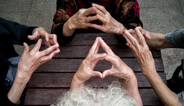 世界阿尔茨海默病日︱认知症患者和家属需要更友好的社区