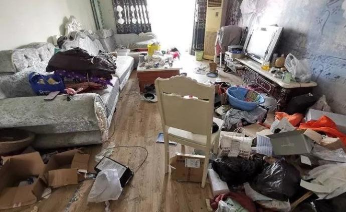 """济南一女子出租婚房,两年后变""""垃圾场"""":讨说法反遭辱骂"""