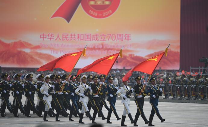 国庆图集②|仪仗方队:高举党旗国旗军旗接受检阅