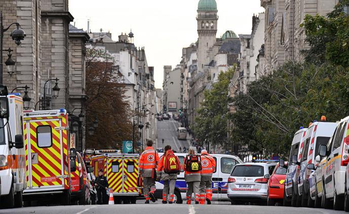 """巴黎袭警案:西岱岛上的枪声,与""""生无可恋""""的法国警察"""
