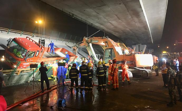 無錫上跨橋側翻事故超載司機頭部創傷,未完全脫離生命危險