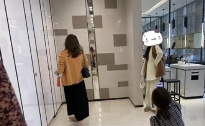 """媒体评杭州一商场洗手间被扎堆乱打卡:""""网红""""素质哪儿去了"""