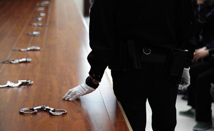 云南南澗警方:9名未成年人打人并拍攝視頻,其中8人已歸案