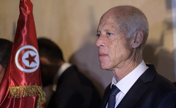 突尼斯大選出口民調:獨立候選人、法學教授凱斯·賽義德勝選