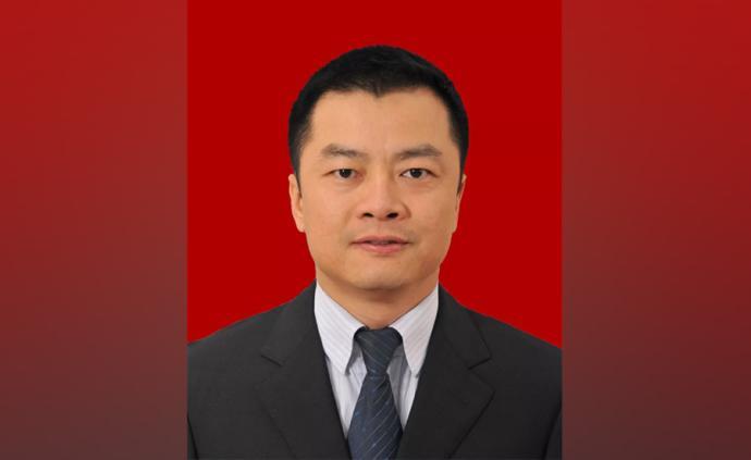 ?尹念红当选为四川崇州市人民政府市长