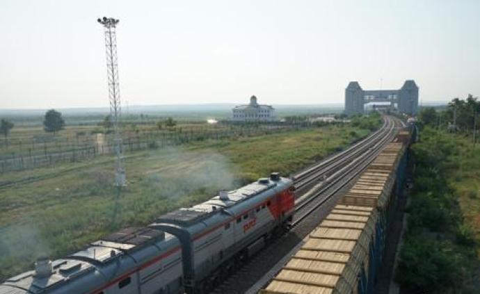 中国最大陆路口岸前三季度进出境中欧班列达1651列