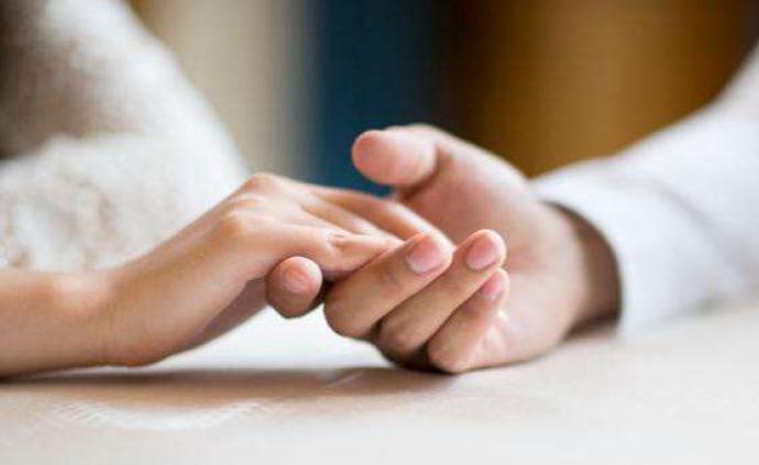 """聚焦民法典婚姻家庭编草案三审:婚前病史要不要""""坦白""""?"""