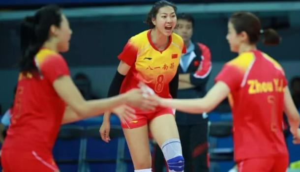 體壇聯播|八一女排闖入軍運會決賽,樊振東乒乓團體奪金