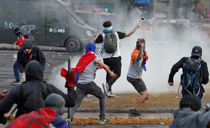 亚博体育wap下载思想周报丨厄瓜多尔与智利的抗争;顺风车歧视女性风波