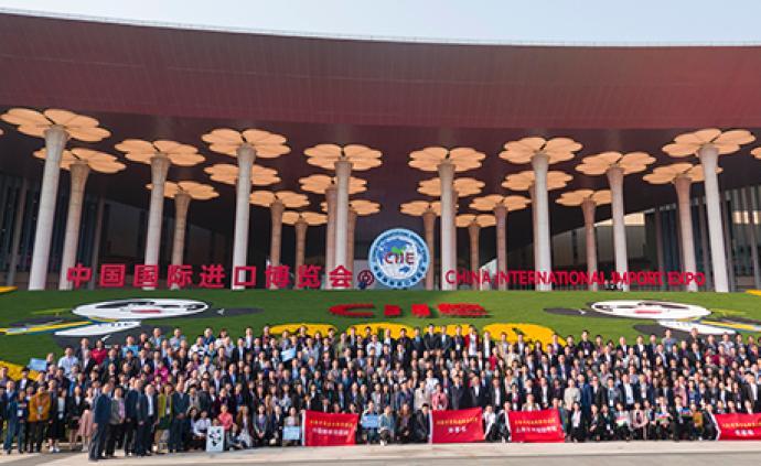 人民日報刊文:開放,讓上海拔節生長