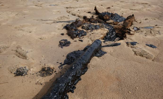 新华社调查宁夏中卫沙漠污染:污染物是否有毒,治污费谁承担