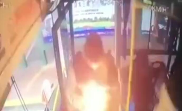 四川夹江公交爆炸案被告一审获死缓
