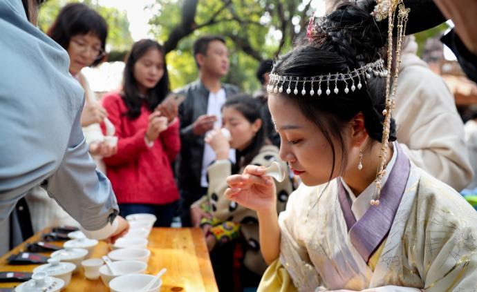巖茶茶王開戰:看看民間斗茶斗什么,怎么斗