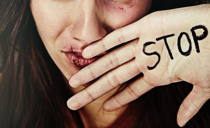 两代受家暴妇女的生命史:习得性无助or社会支持系统失效?