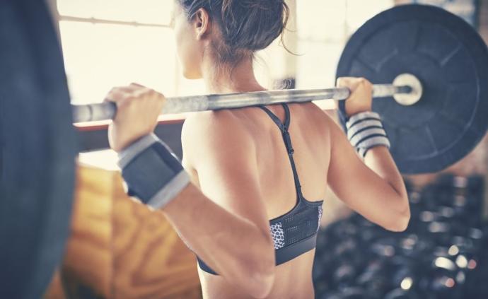 涨知识|跑者也得进行重量训练,但该选多重的哑铃?