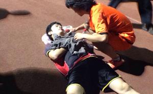 上海一男子在体育场被刀捅伤,行凶者疑为快男歌手张天野