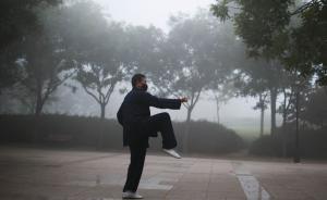 北京APEC后首发重污染蓝色预警,两天出门需戴口罩